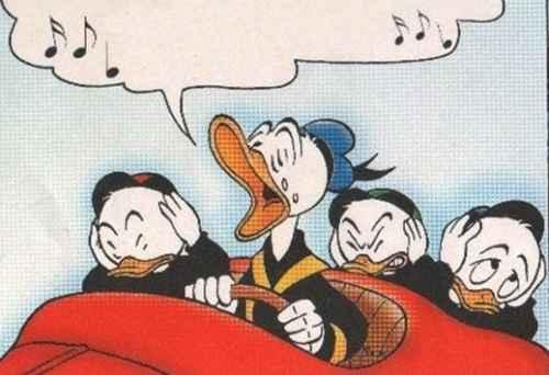 Mitähän Aku Setä laulaa?
