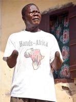 Iso käsi Afrikalle