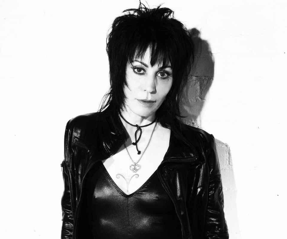 Joan Jett - I hate myself for loving Naurunappula