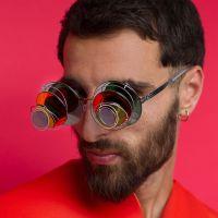Kun laseilla pitää välttämättä nähdä myös toisiin ulottuvuuksiin