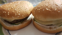 Burgerit omatekeminä